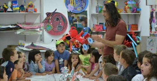 «Μια μέρα στο σπίτι της ζωγραφικής» Βιωματικές δραστηριότητες για παιδιά προσχολικής ηλικίας στο Εργαστήρι Τέχνης Χαλκίδας(30-5-2014)